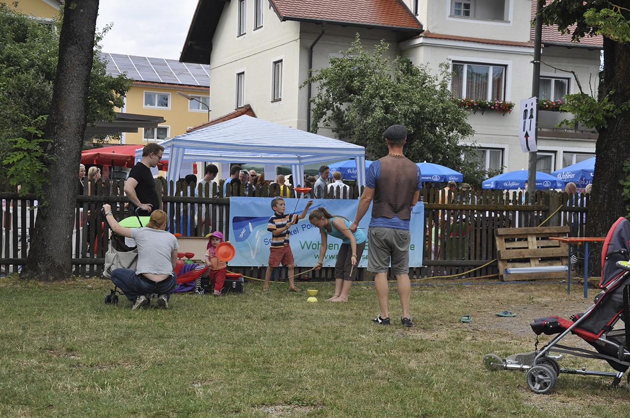 Poinger Straßenfestival Poing 28.06.2014 Kontakt: allmender GmbH www.allmender.de